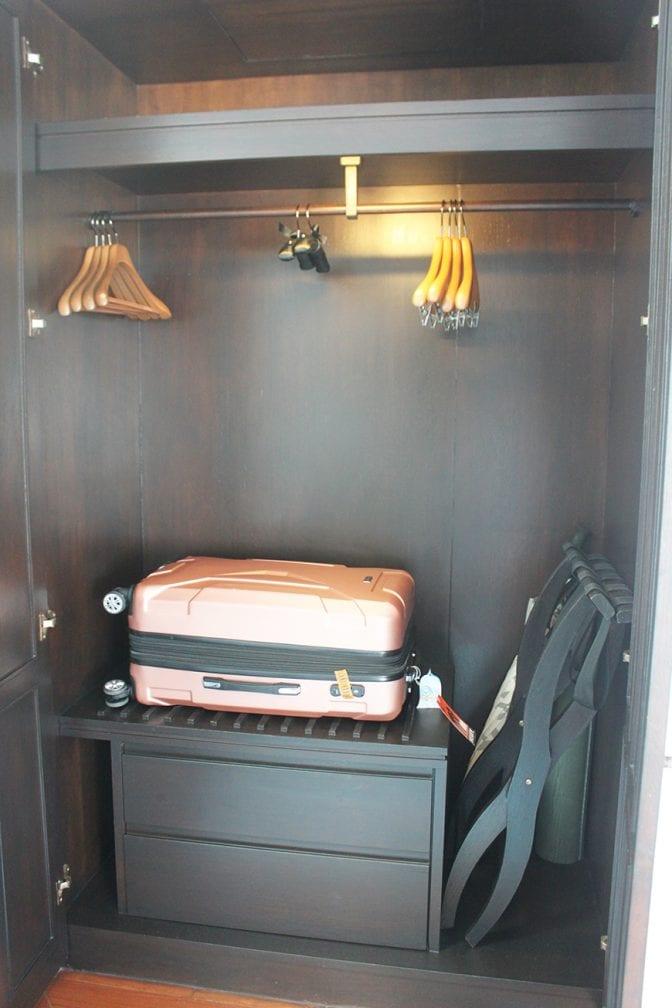 four seasons koh samui review - room closet
